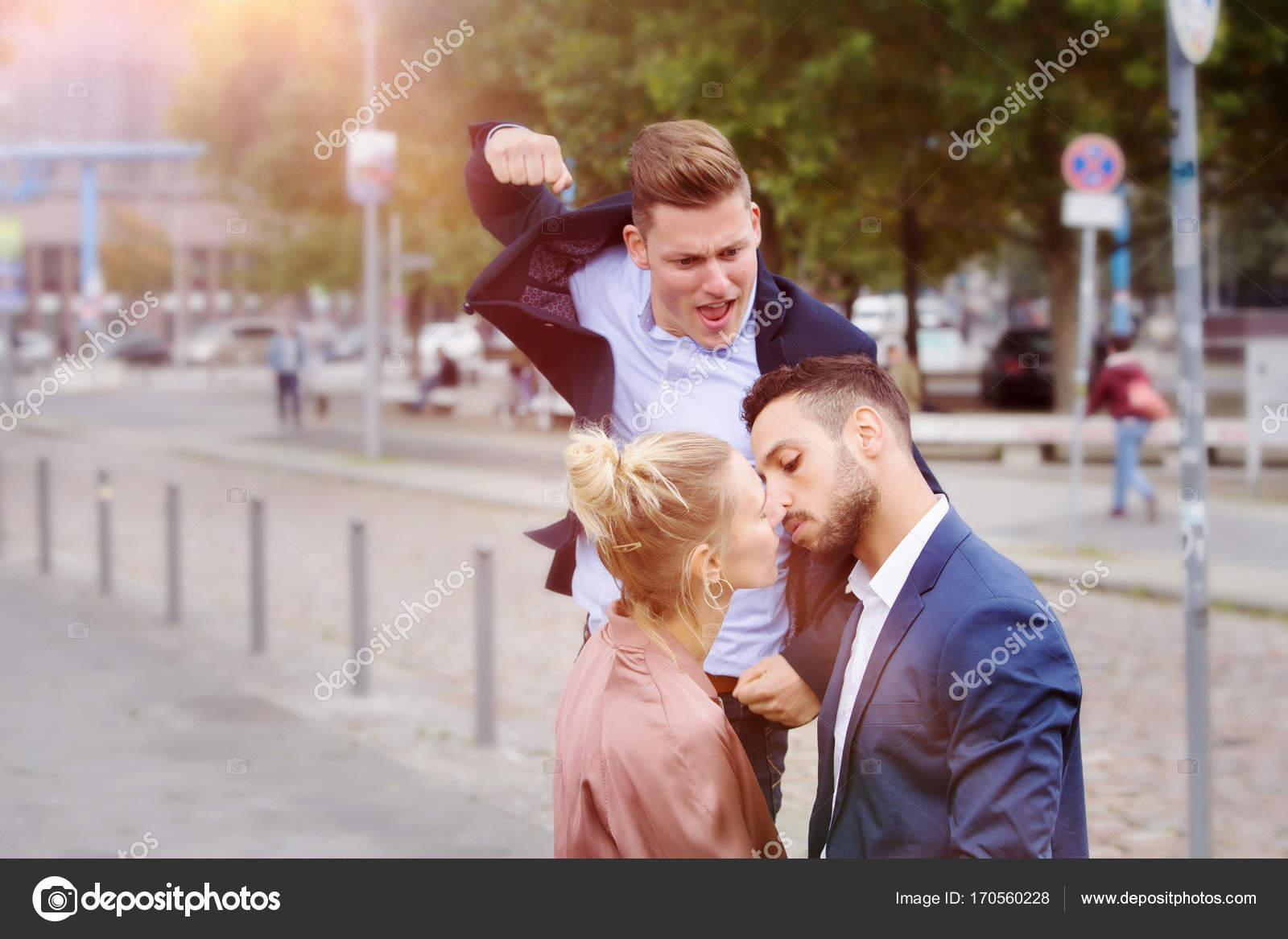 Секс наподает мужщина