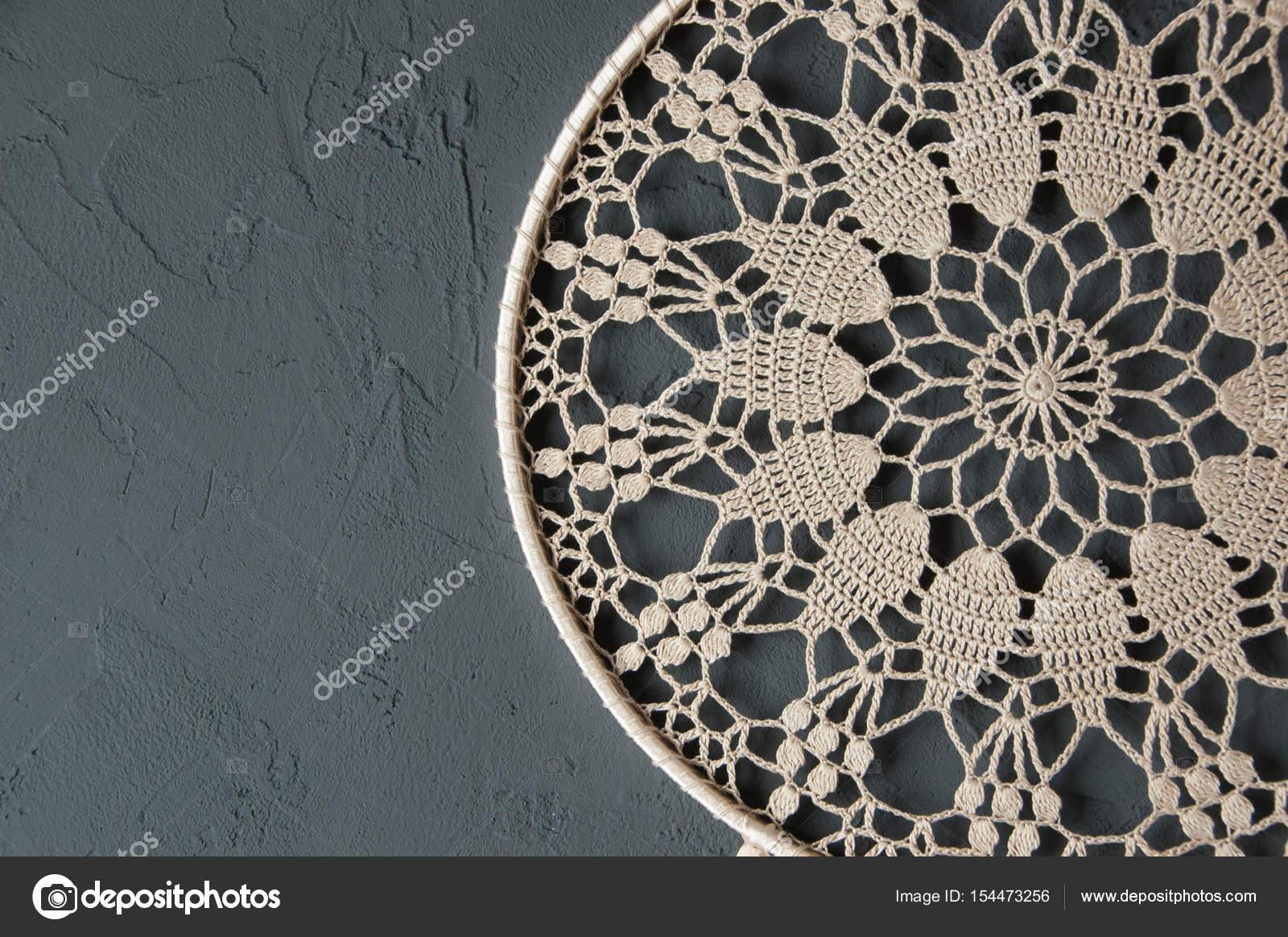 Beige häkeln Deckchen Traumfänger — Stockfoto © voisine #154473256