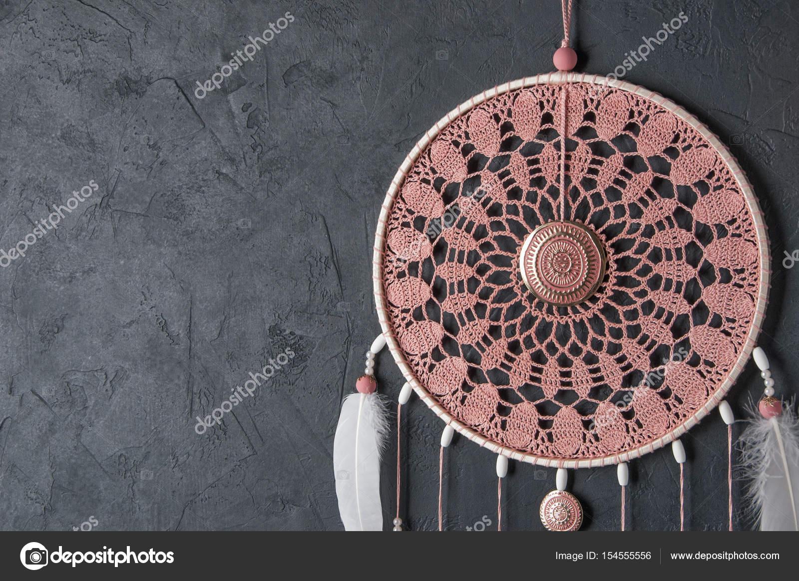 Atrapasueños de ceniza rosa ganchillo tapete — Foto de stock ...