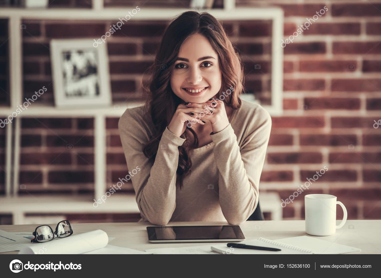 Bella studentessa - Foto Stock: Foto, Immagini