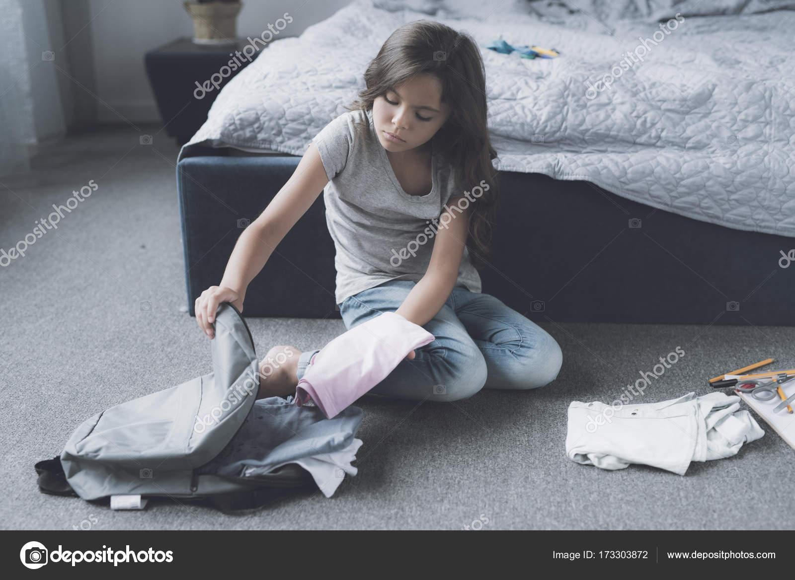 Фото черноволосых девушек в одежде