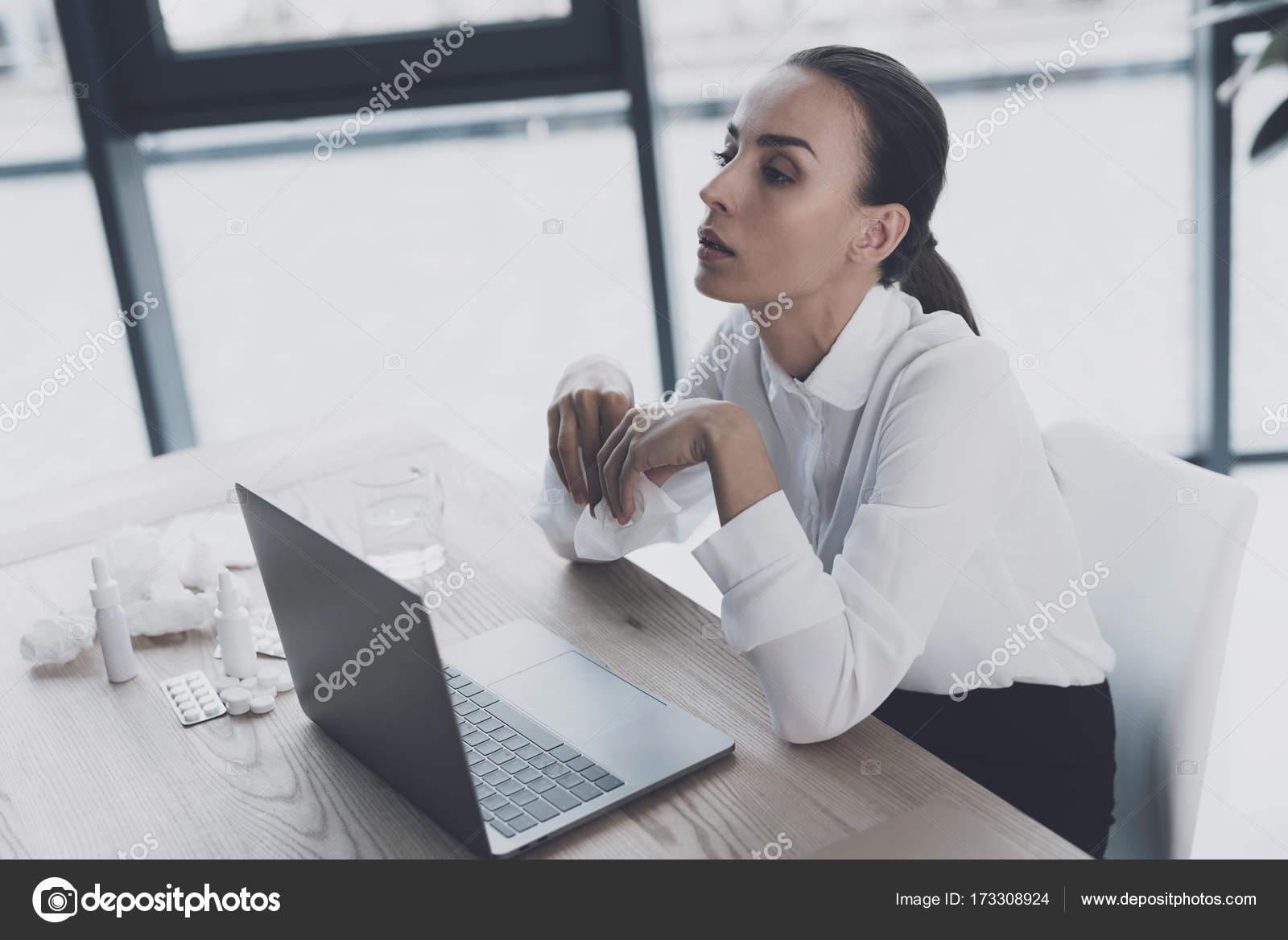 job sits Hand