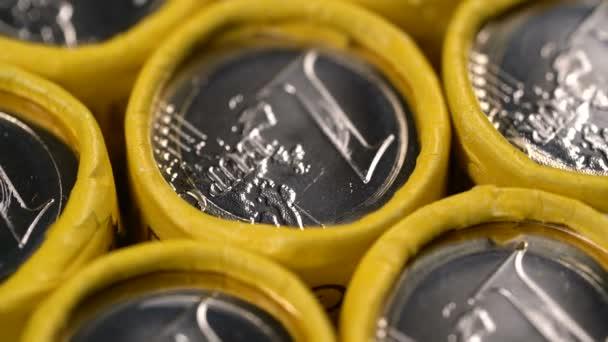 otáčení pozadí jedno euro mincí