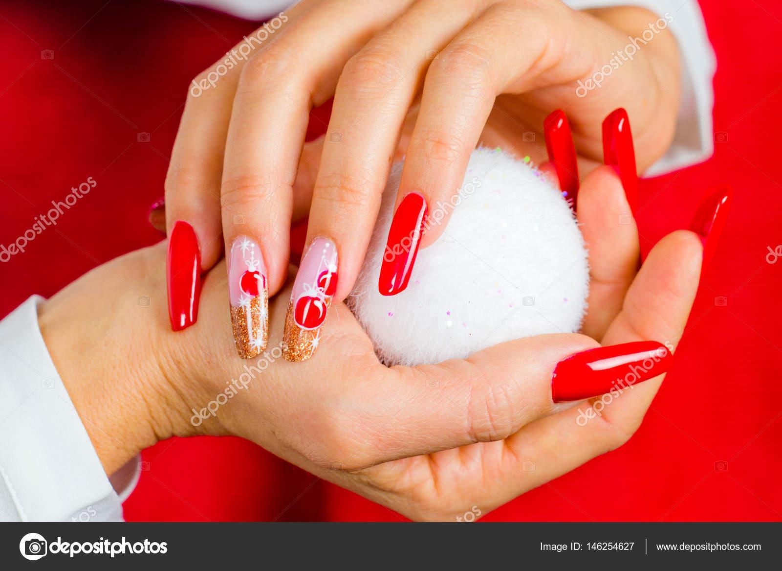 Imagenes Fotos Decoradas Unas Rojas Decoradas Para Su Navidad