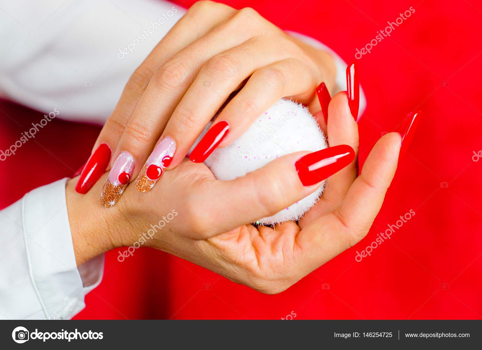Czerwone Paznokcie Odznaczony Za Fantastyczne Boże Narodzenie