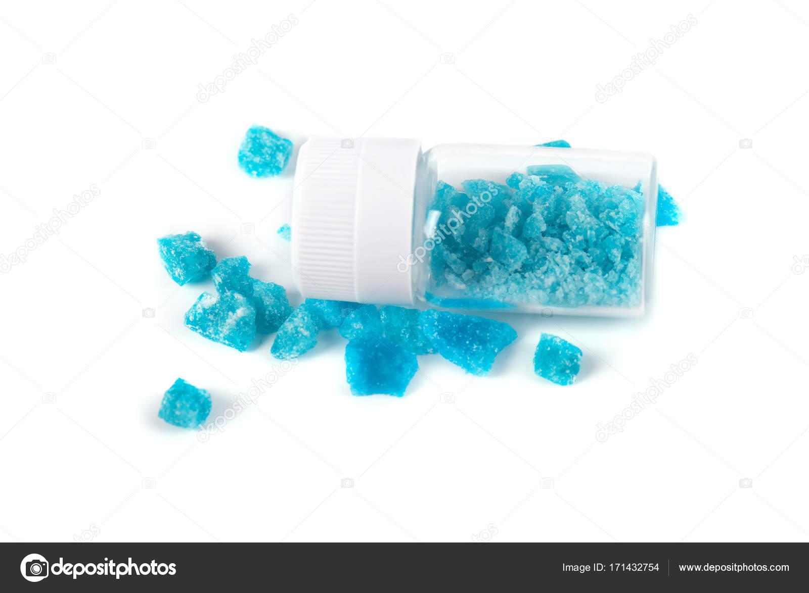 https://st3.depositphotos.com/3692943/17143/i/1600/depositphotos_171432754-stock-photo-blue-crystal-of-methamphetamine-isolated.jpg