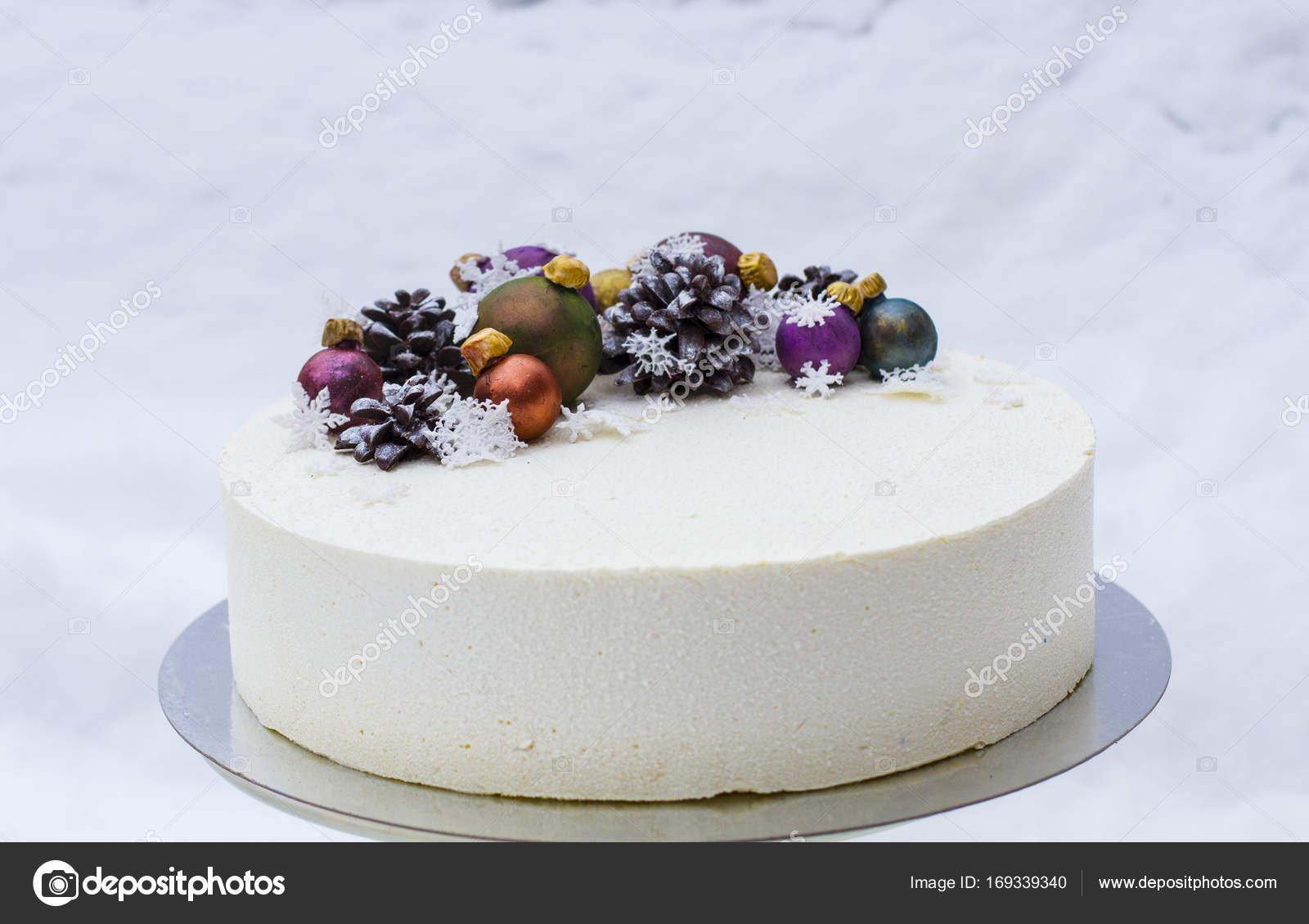 Gateau De Fete De Noel.Un Gâteau Pour Une Fête De Noël Ou Nouvel An Photographie