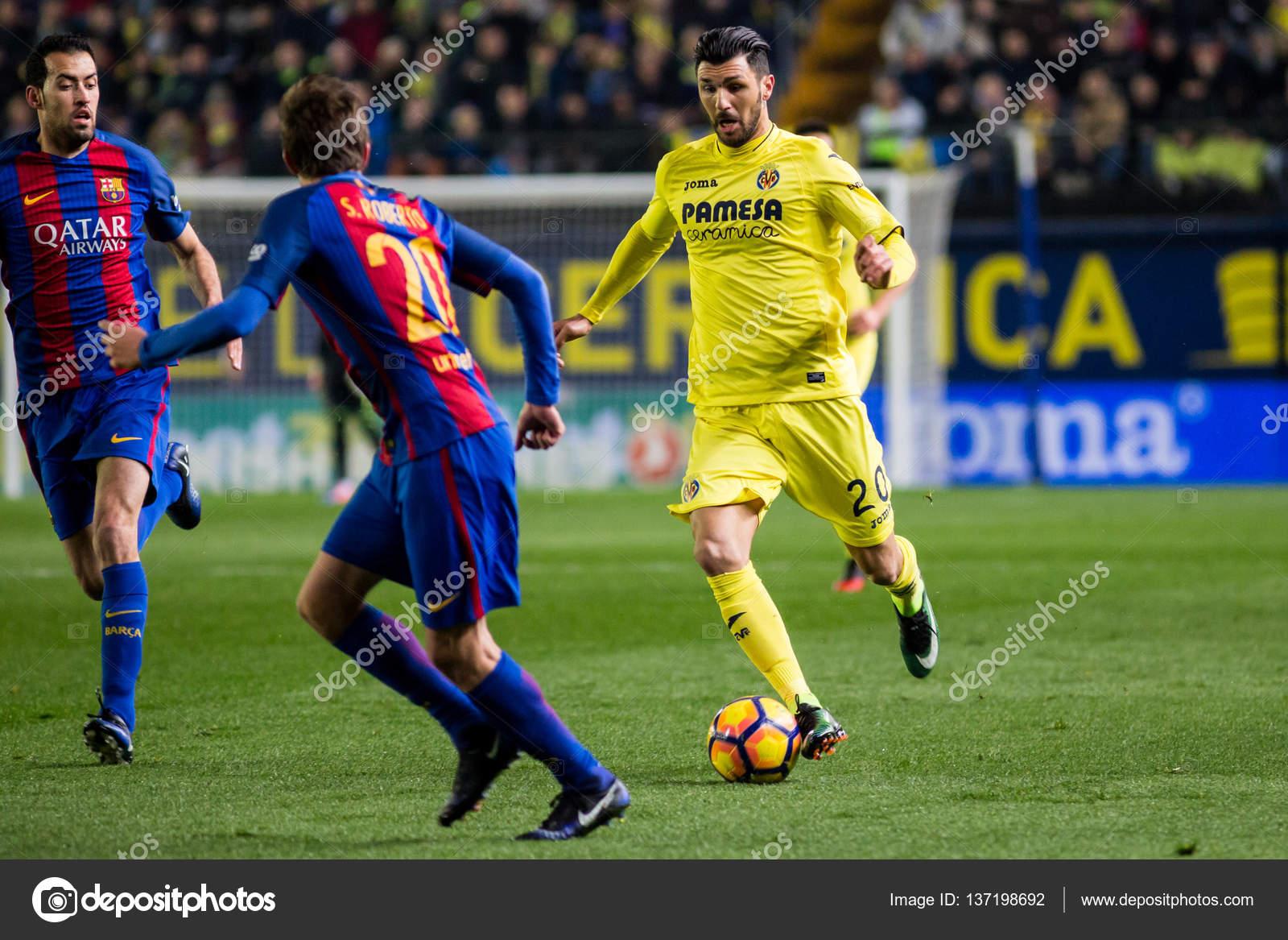 ビジャレアル Cf vs Fc バルセロ...