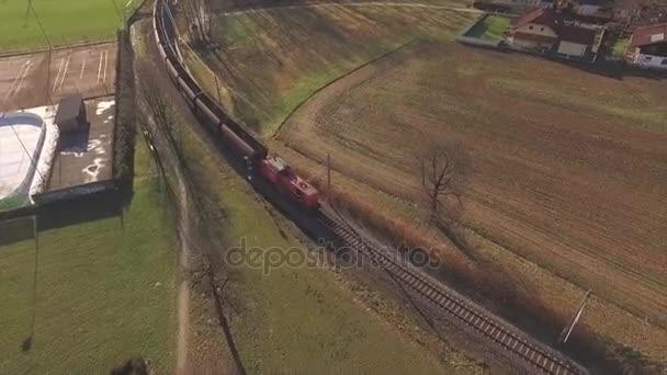 Légifelvételek, teherszállító vonat, vasút, hajózás, szállítás, Ausztria