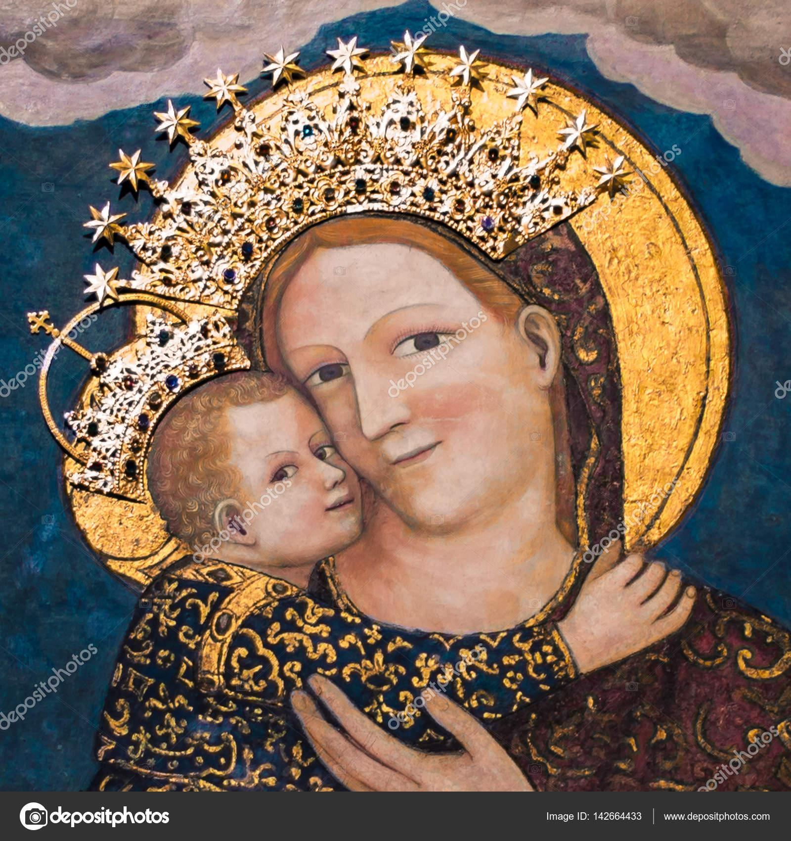 72255c37dd46a Vierge Marie avec l enfant Jésus dans la Basilique Saint-Antoine ...