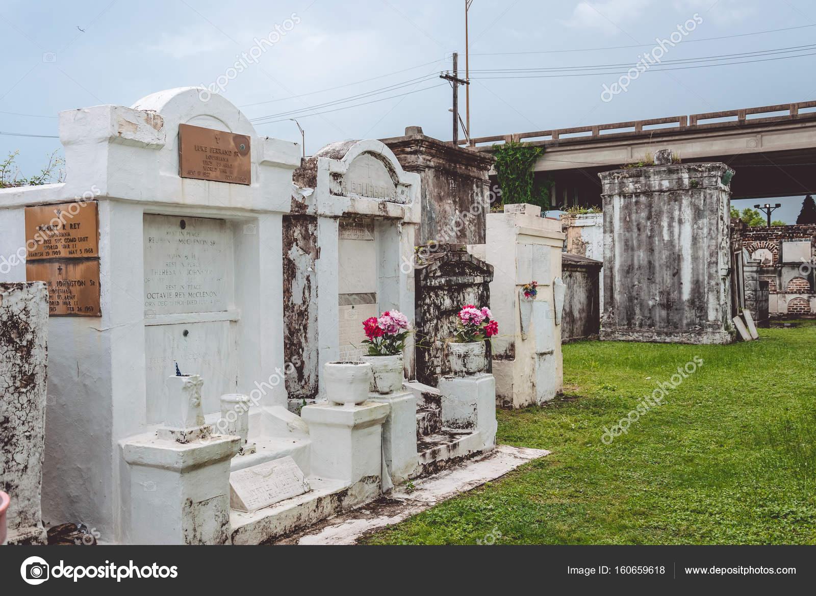 Místico cementerio de St. Louis en New Orleans, Louisiana, Usa ...