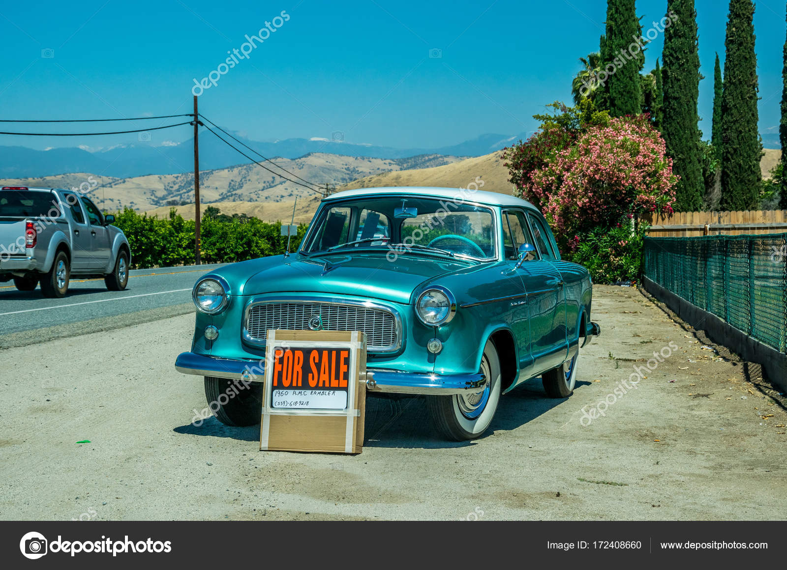 Old car on the roadside. Sale of used cars in the USA – Stock ...