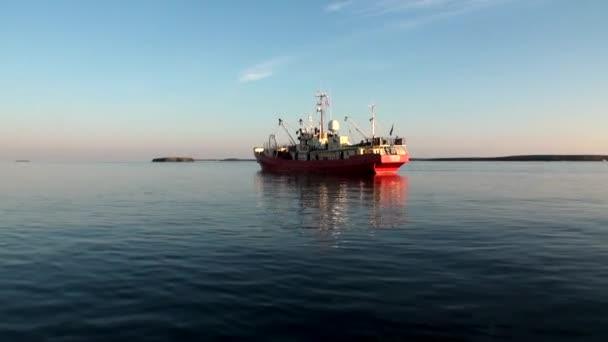 Expedíciós hajó az új föld Vaigach-óceán.