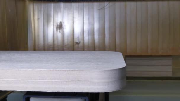 Legno di macchina di fresatura Cnc per la produzione di mobili industriali.