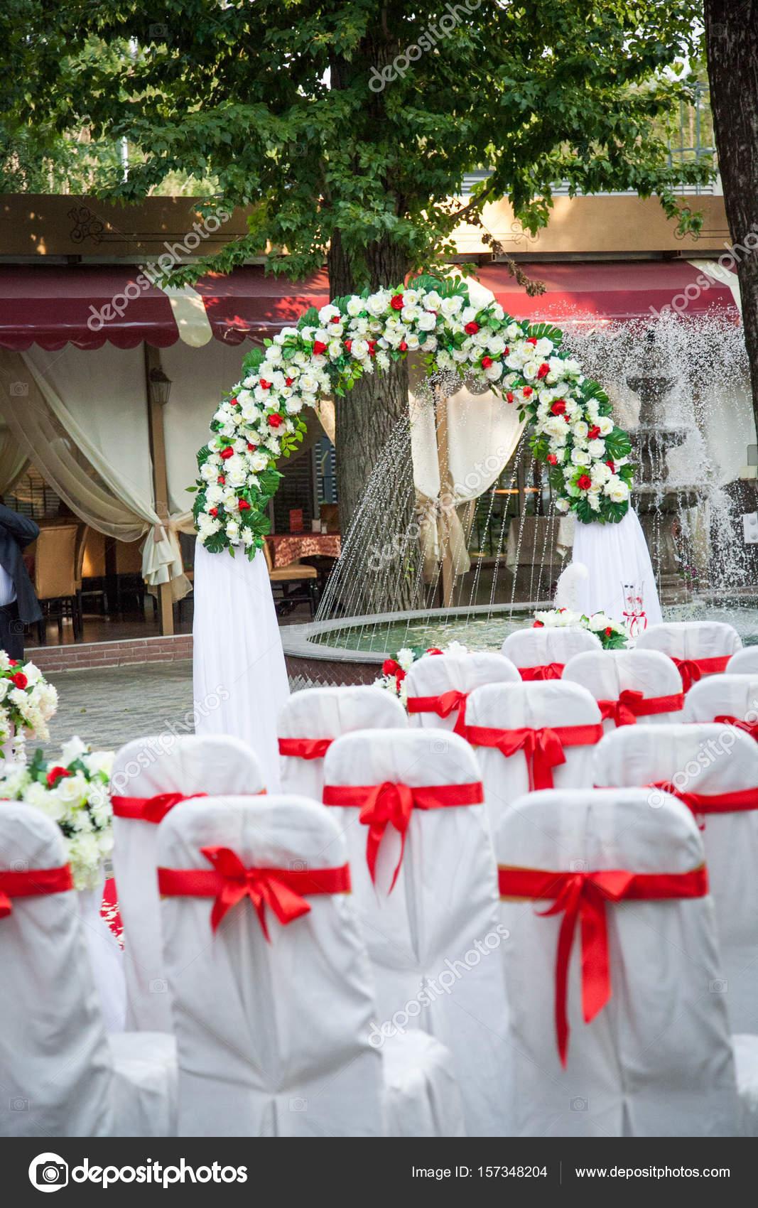 Matrimonio In Bianco E Rosso : Matrimonio bellissimo arredamento in colori rosso e bianco