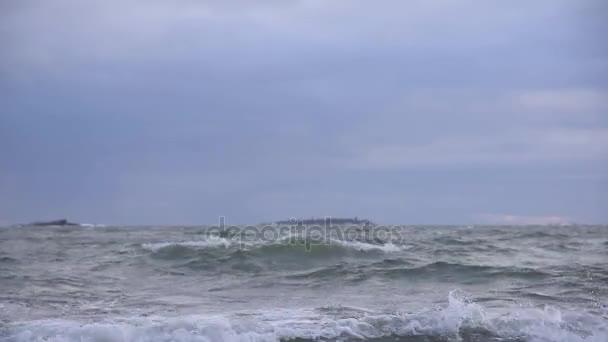 stürmische Ostsee bei Winterwetter Anfang Januar