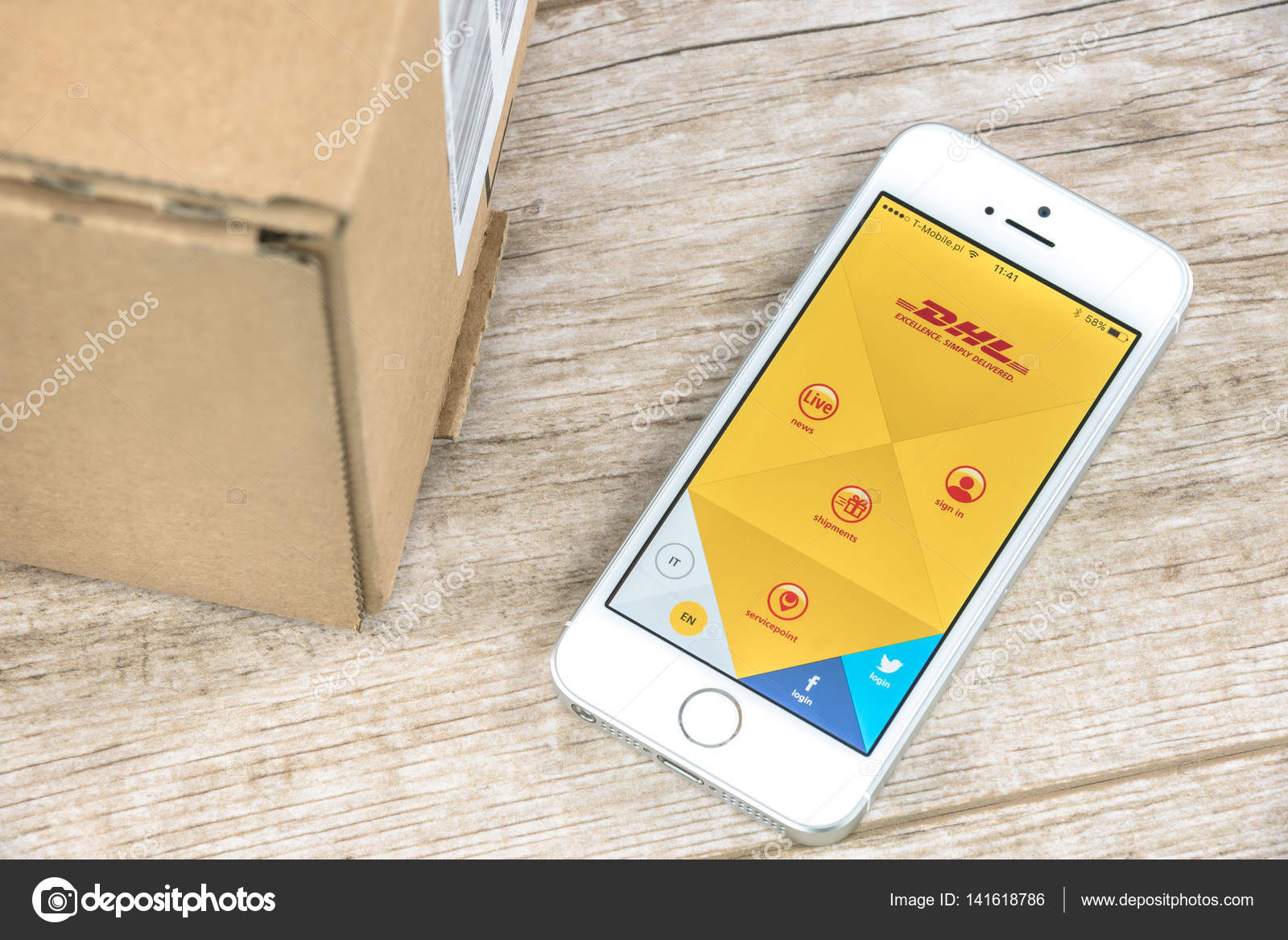 DHL app on iPhone – Stock Editorial Photo © wdnet #141618786