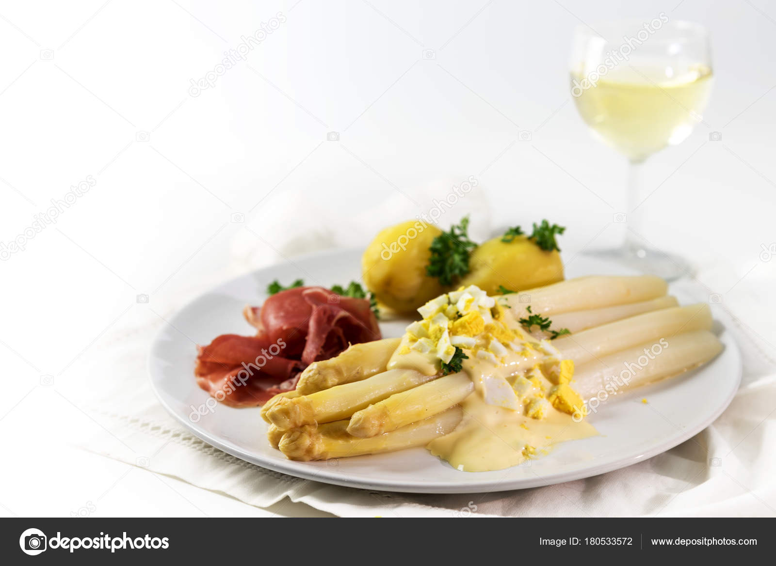 Spargel Gericht Mit Kartoffeln Schinken Und Sauce Hollandaise