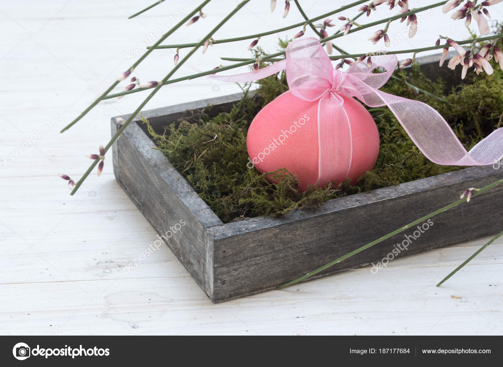 Easter Decoration Single Pink Egg In A Wooden Box With Moss And
