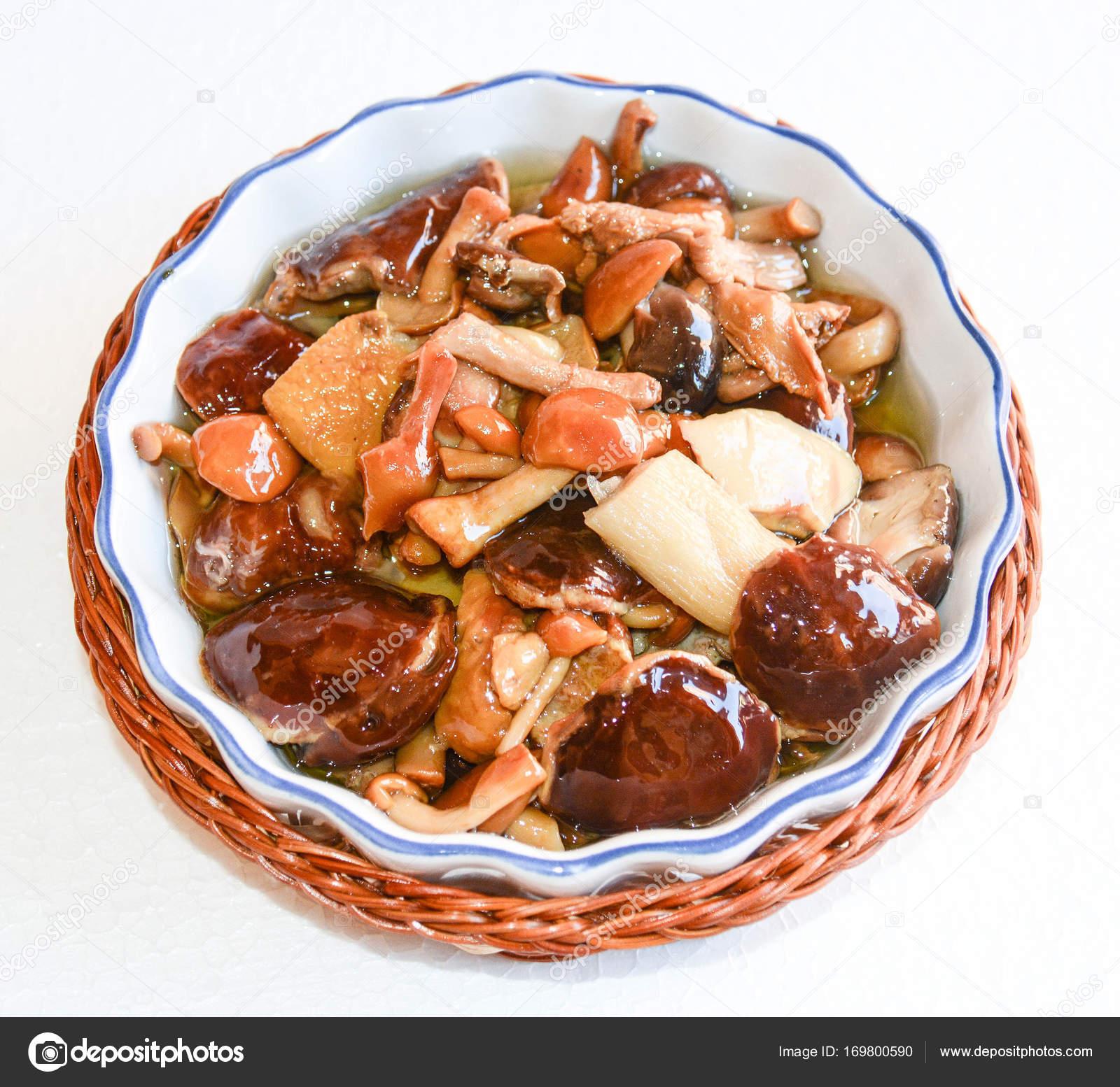 Finger Food italienische Spezialitäten — Stockfoto © iacobino #169800590