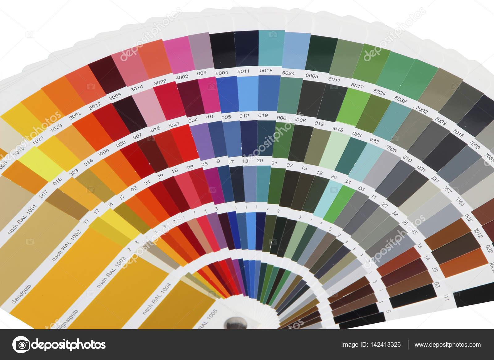 Auflistung Der Ral Farben Auf Weissem Hintergrund Isoliert