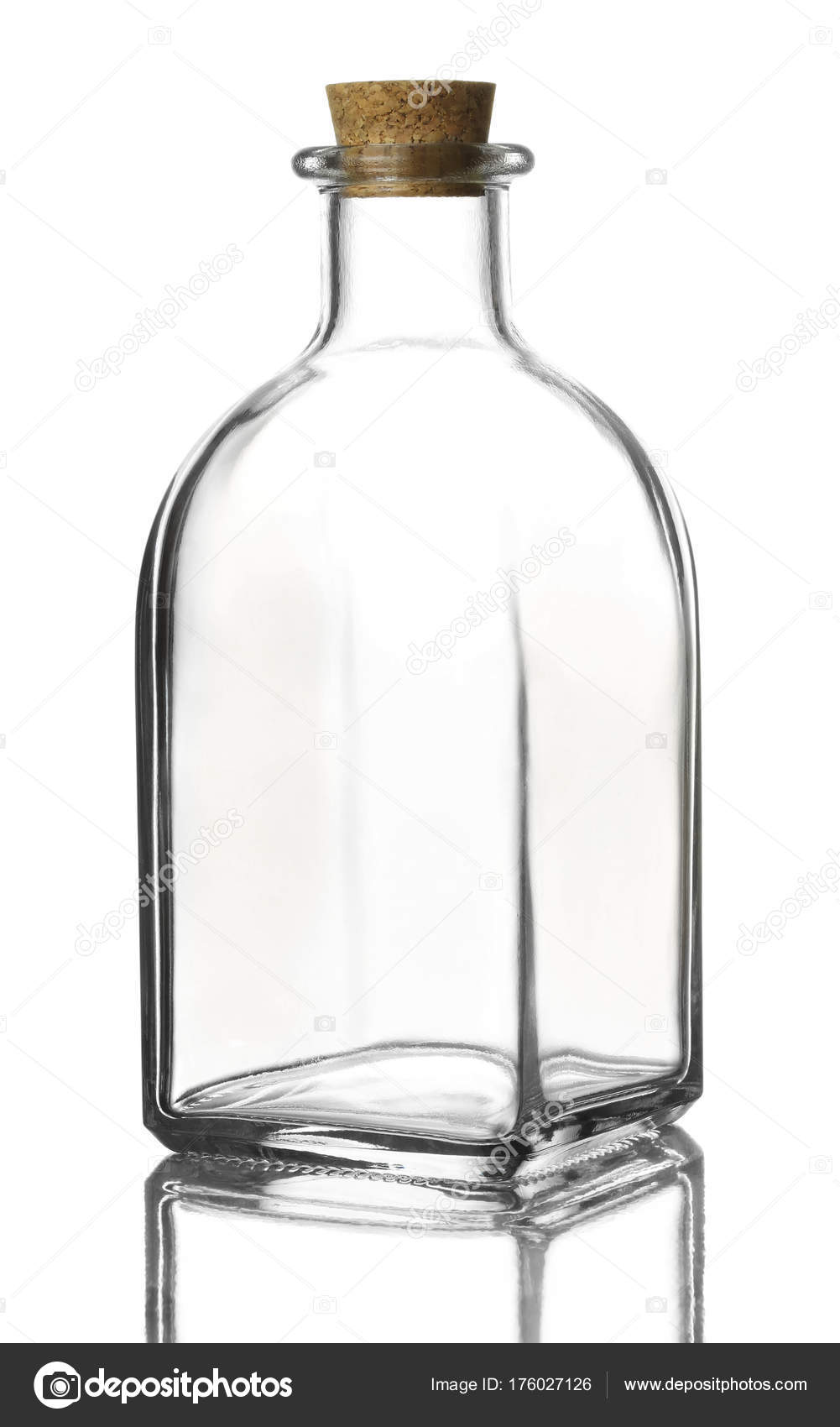 bouteille en verre vide photographie tachipa 176027126. Black Bedroom Furniture Sets. Home Design Ideas