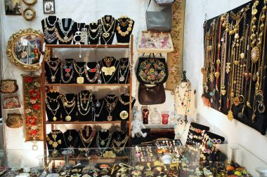 Shop showcase with lots of jewelry