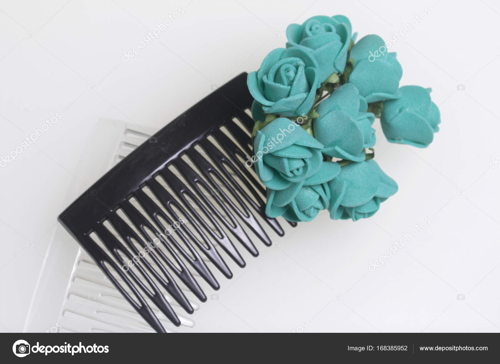 Hair Care Accessories And Decorations Two Scallops For Hair Are