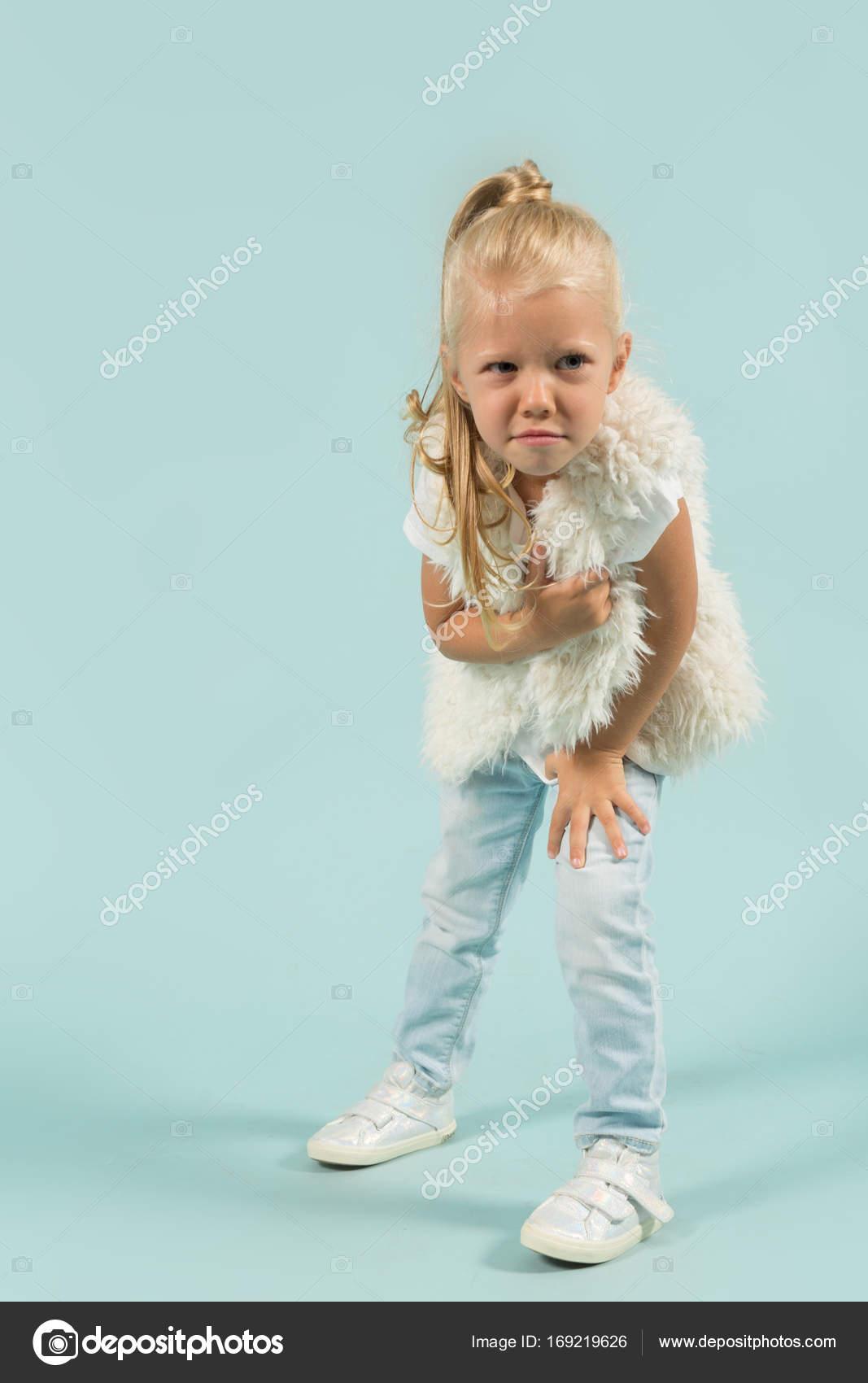 blondinka-v-belih-tuflyah-foto-anala-i-mineta-so-striptizershami