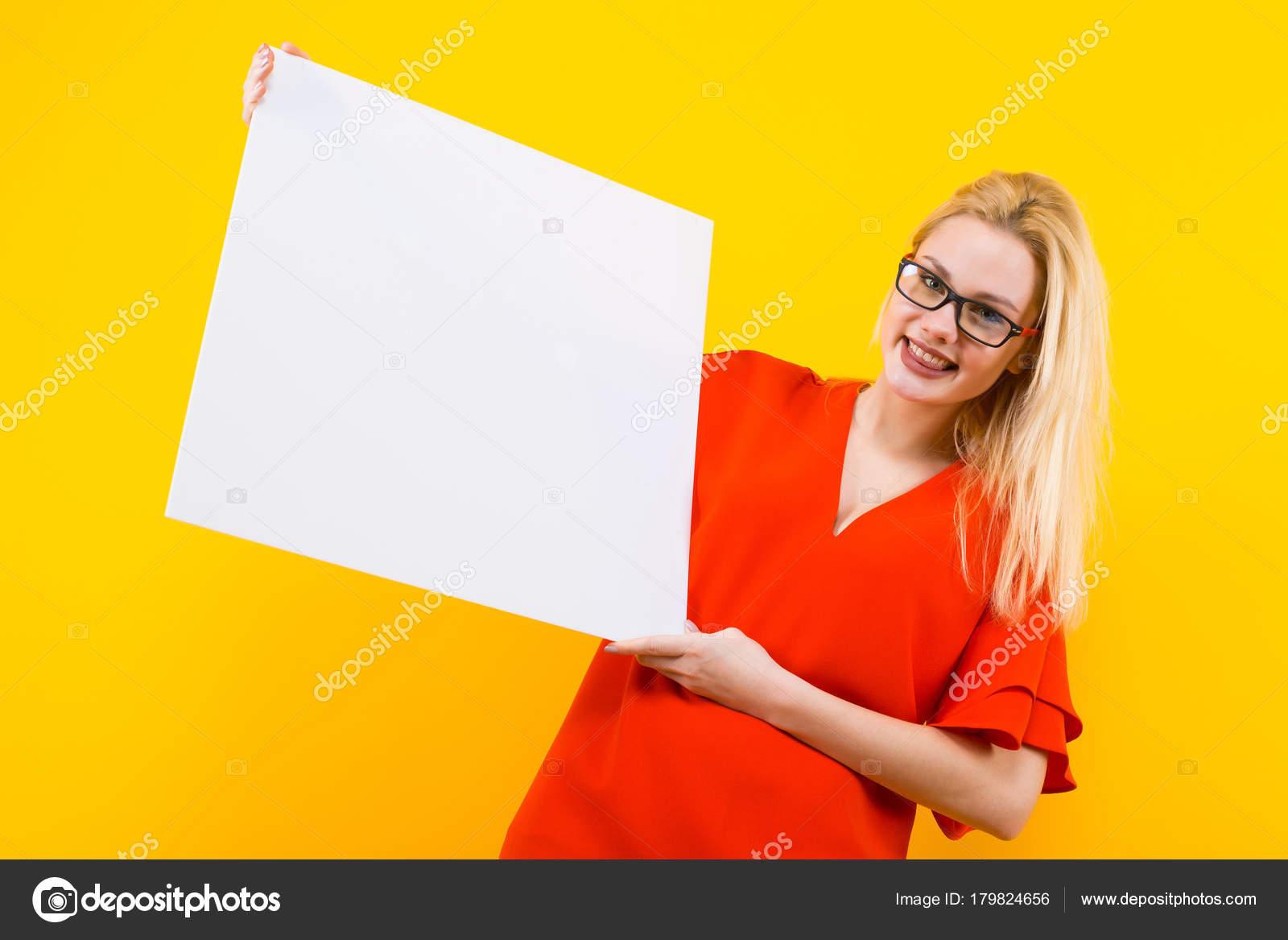 Fotos de blanca blanco con vestido rojo