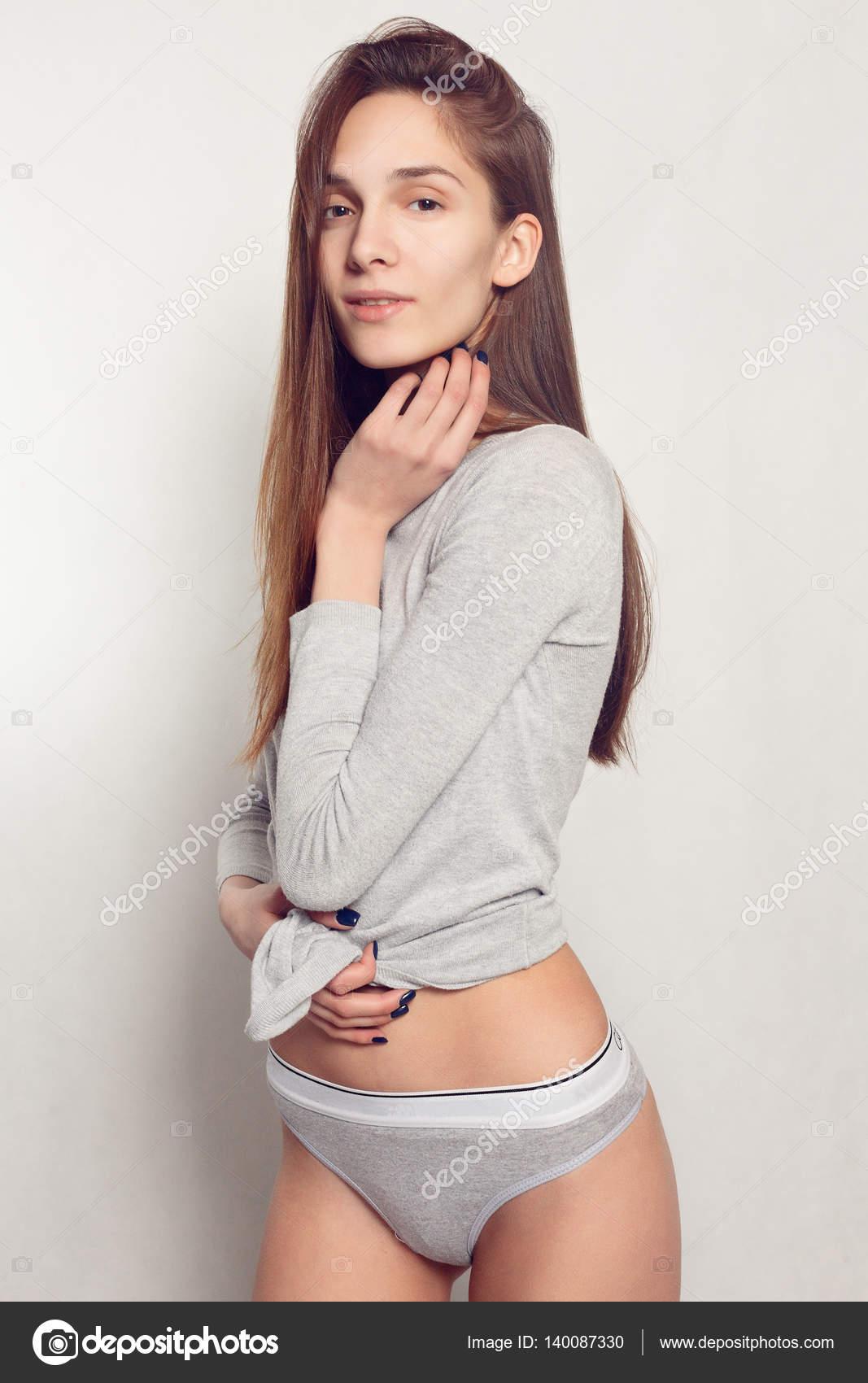 Секретарша, картинка девушка колготках