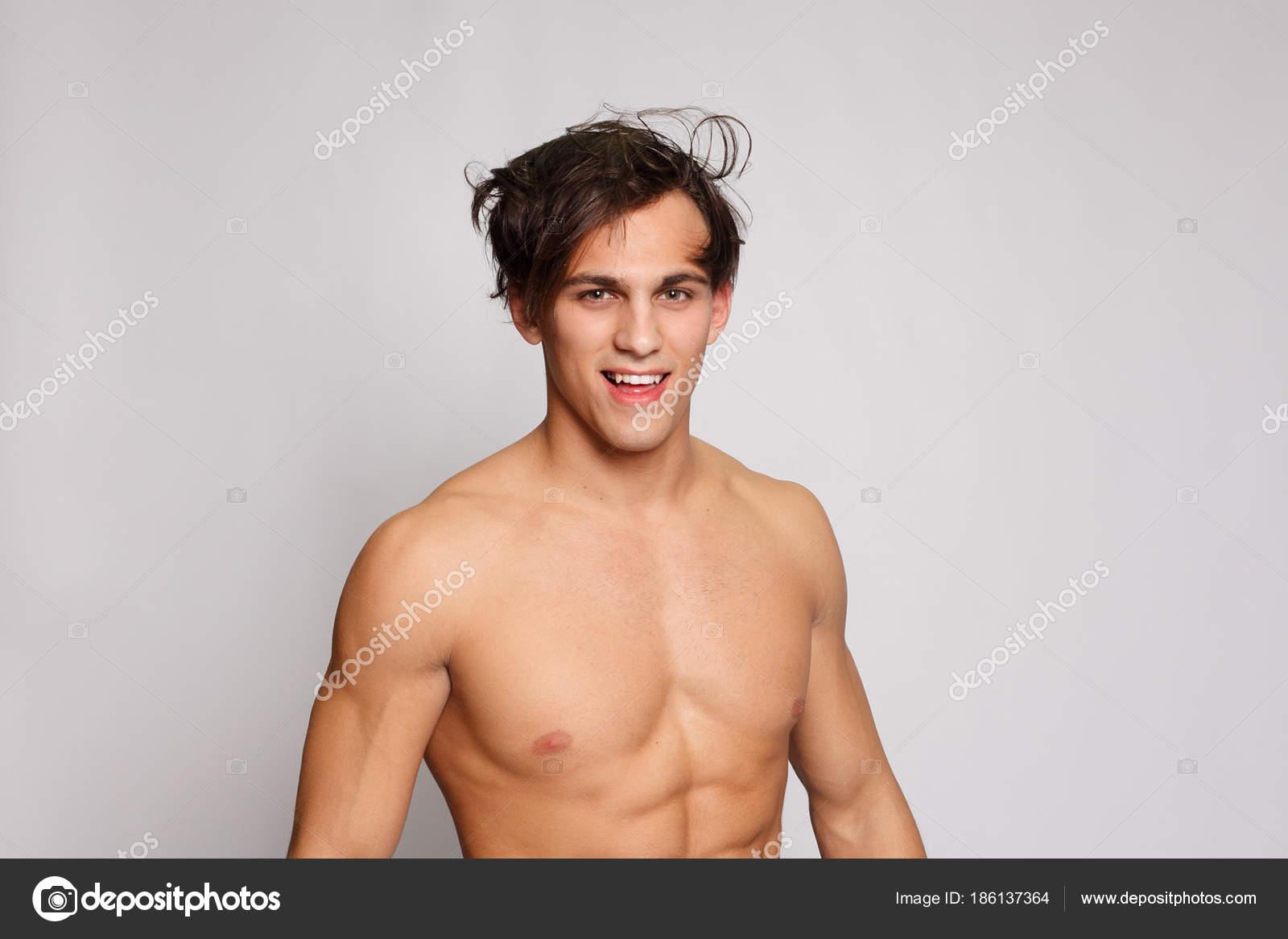 je nahý model