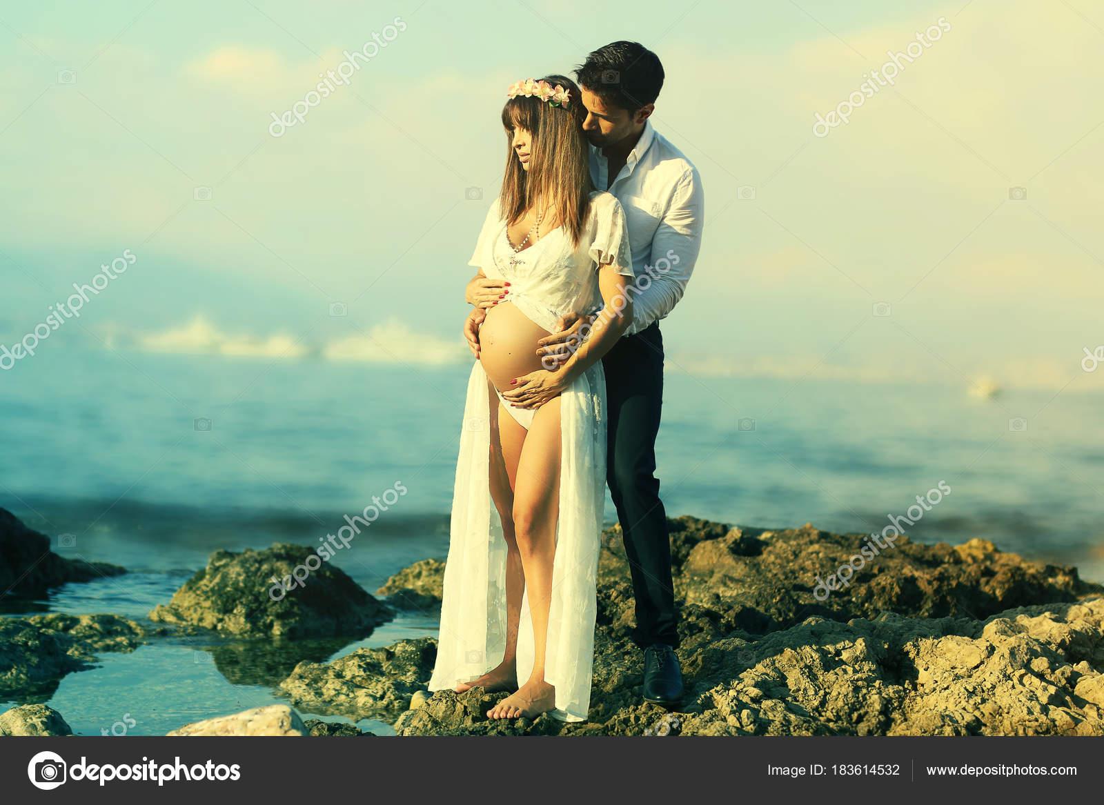 Happy Young Couple Expecting Baby Background Sea Romantic Pregnancy Portrait Stock Photo C Rdrgraphe 183614532