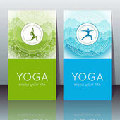 Vektor jóga kártyák jógi sziluett, hegyi táj, etnikai indiai minta és szöveg minta