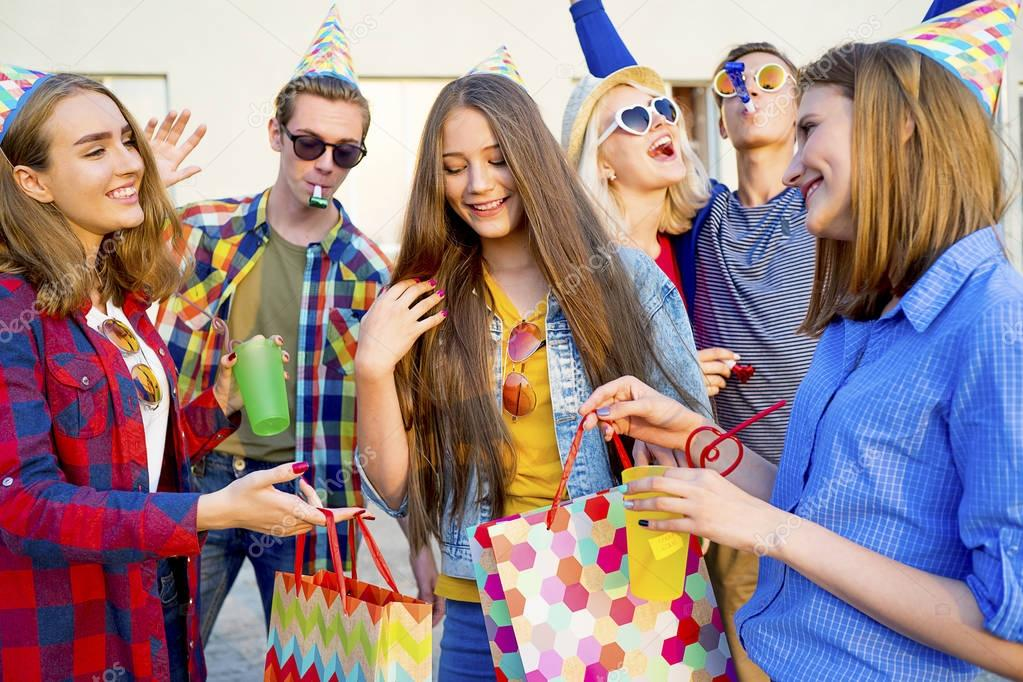sending-your-teen-to-a-party