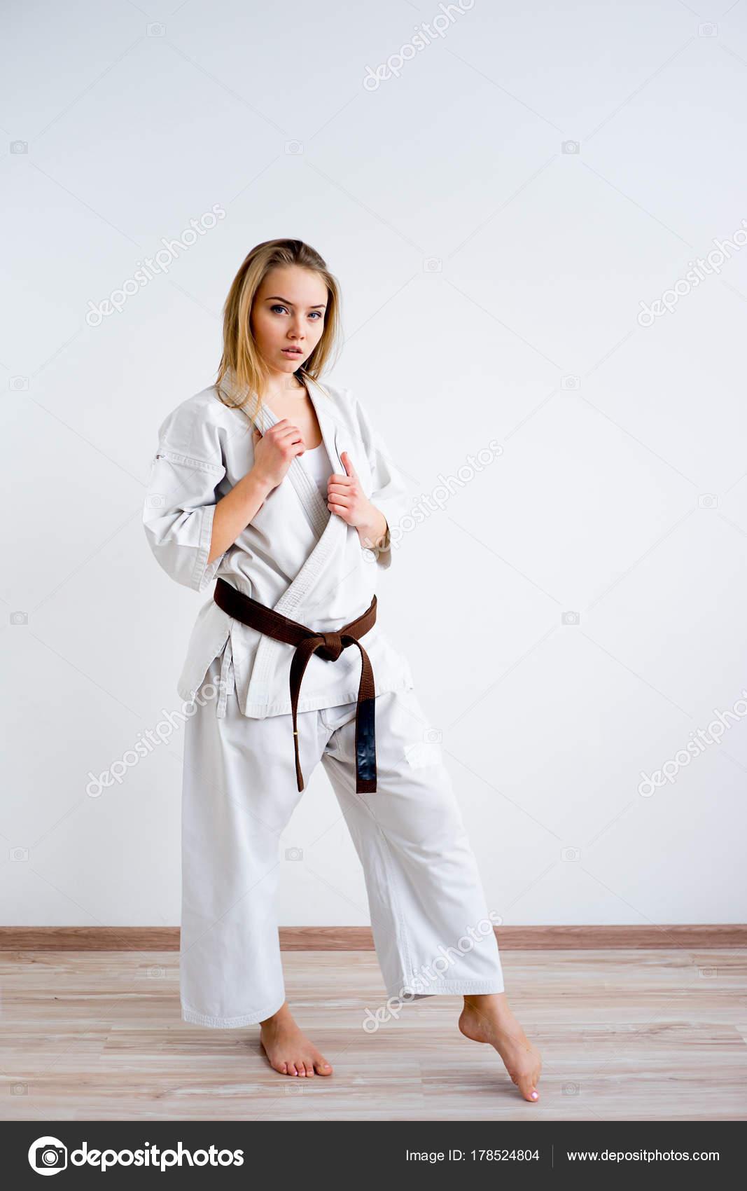 каратэ фото девушки