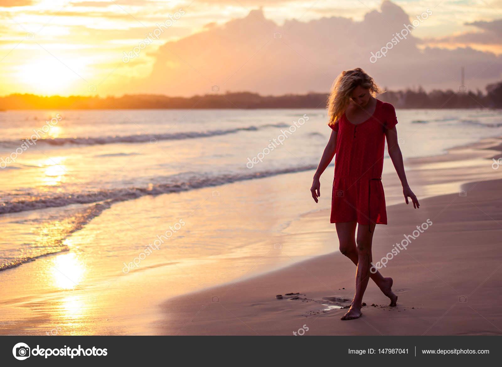 красивые девушки блондинки фото на пляже