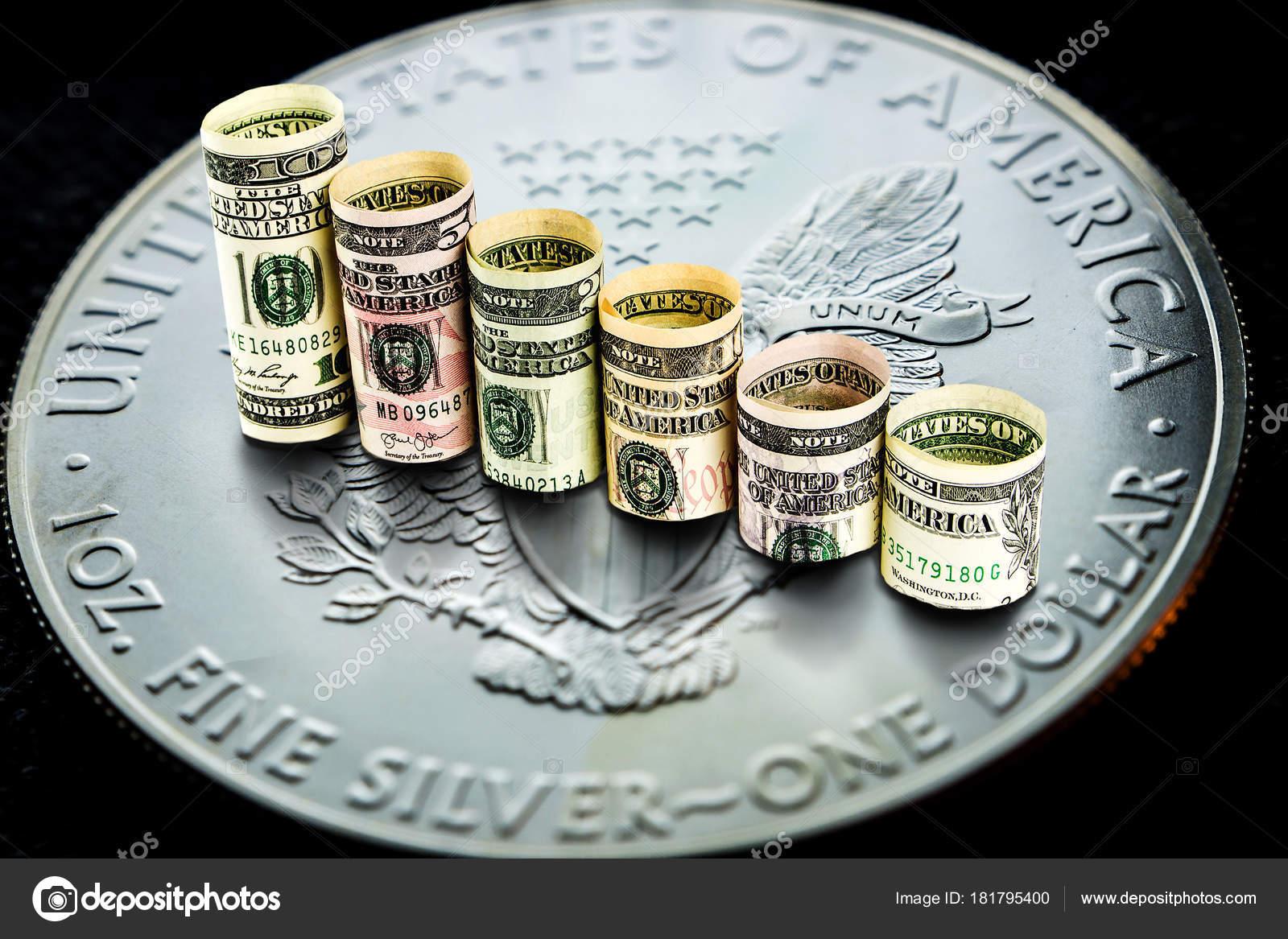 Nahaufnahme Von Silber American Eagle Münze Mit Einer Chart
