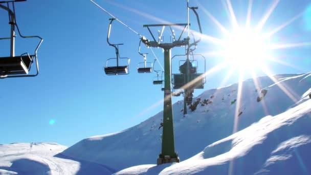Lanové vleky v Farellones zimní horské lyžařské středisko v Chile
