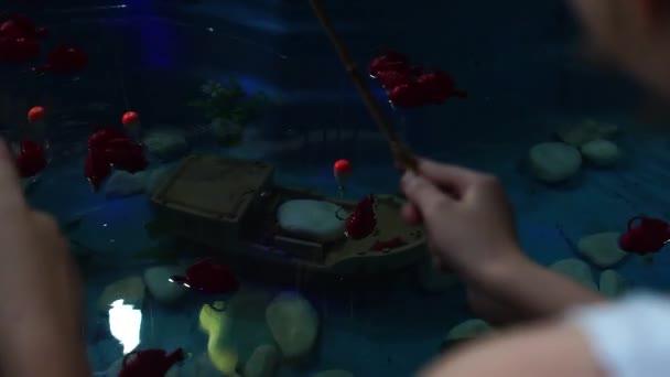 Az emberek könnyen halászat - a hagyományos játék a Junina párt (Festa Junina) Brazíliában
