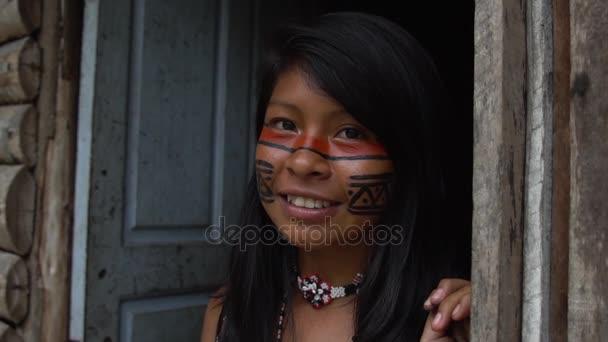Brazilské dívky Tupi kmene Guaraní, Brazílie