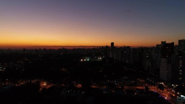Abenddämmerung Himmel in Stadt Sao Paulo, Brasilien