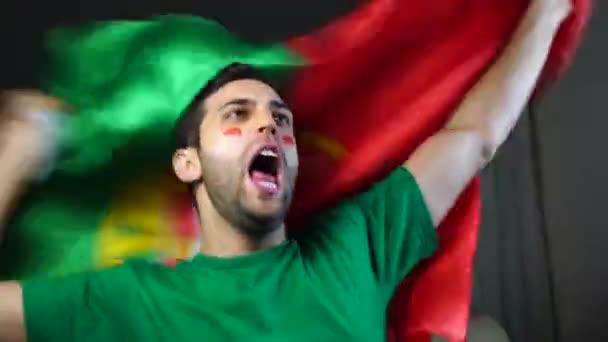 Portugál fickó hullámzó Portugália lobogója