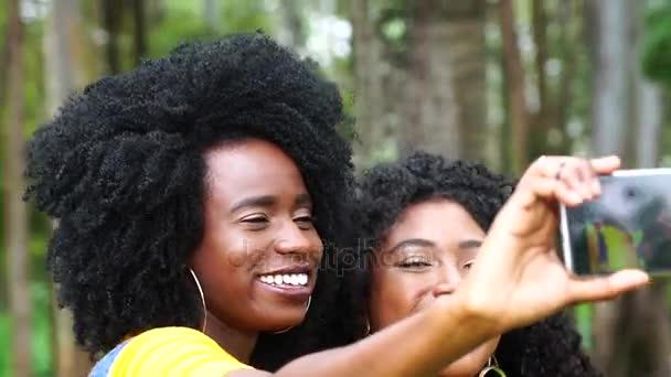přátelům selfie