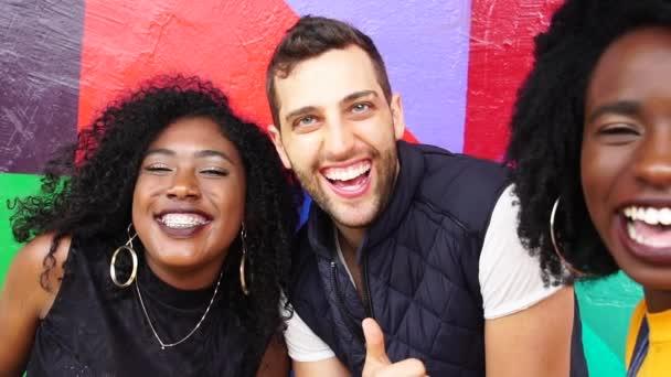Multietnické přátelům Selfie