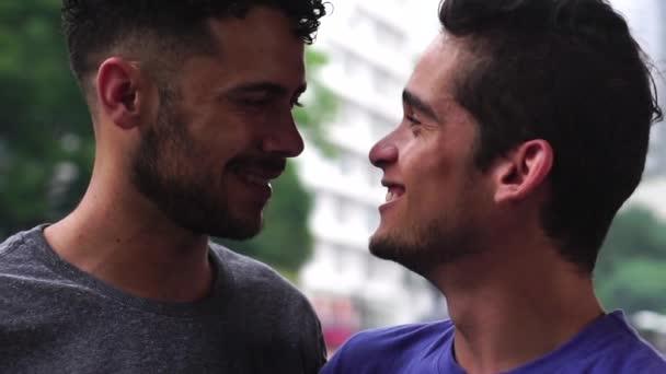 Video gay video