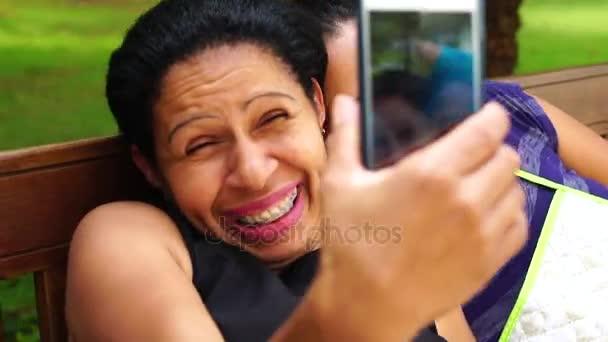 Přátelům Selfie s Mobile