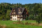 Fényképek vidéki ház tölgyfák