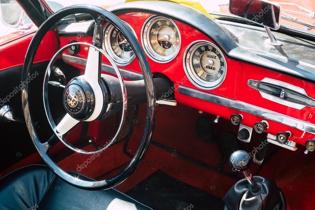 Innenraum des italienischen Oldtimers, Alfa Romeo Giulietta Speci ...