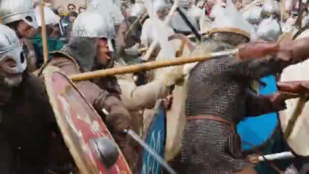 St. Petersburg, Rusko - 27. května 2017: Rekonstrukce historické bitvy Viking v Petrohradu, Rusko